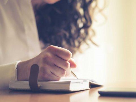 woman-writing-handwriting